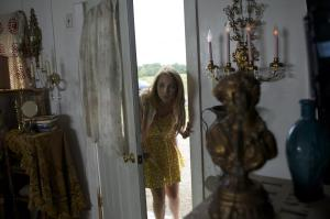 still-of-juno-temple-in-the-brass-teapot-(2012)